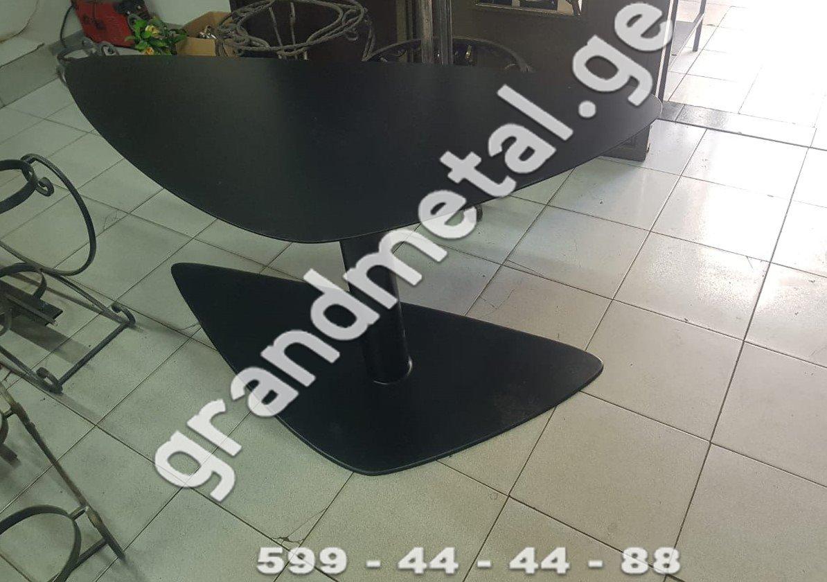 მაგიდა და სკამი